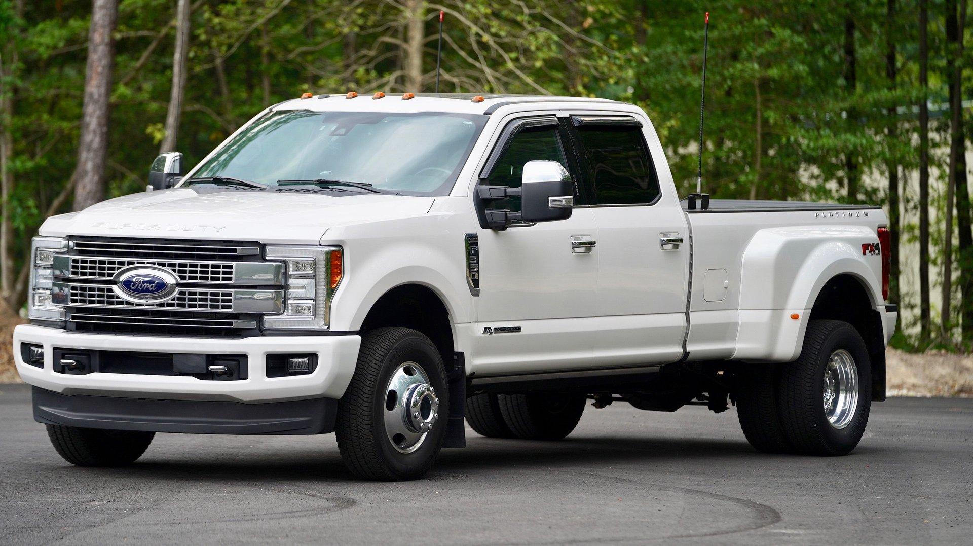 2017 ford super duty f 350 drw platinum