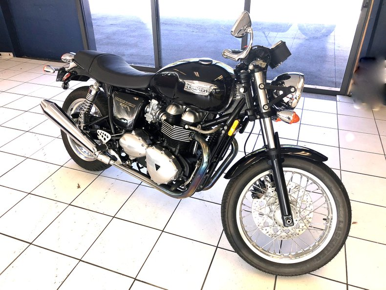 2012 Triumph Thruxton 900 For Sale