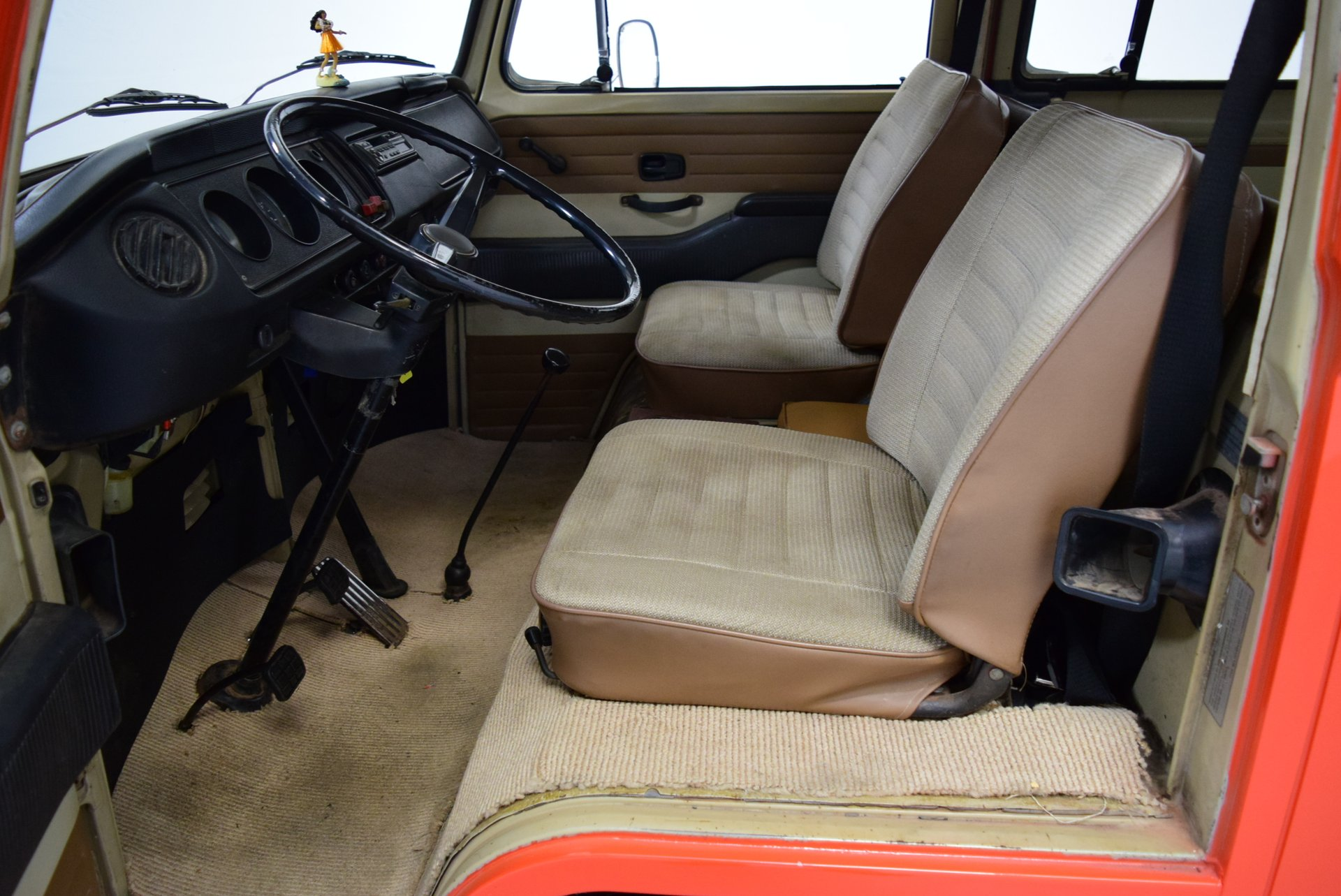 1970 Volkswagen Bus | Shelton Classics & Performance
