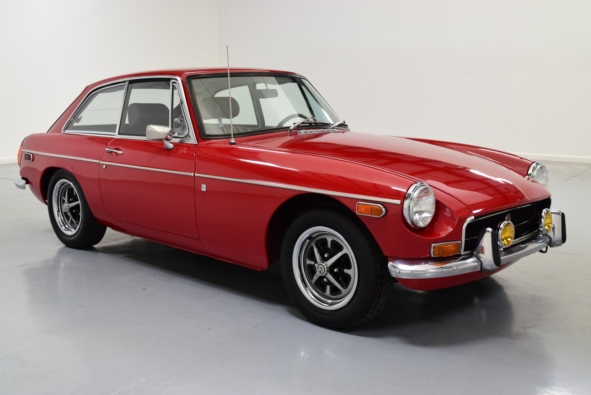 1972 MG MGB | Shelton Classics & Performance