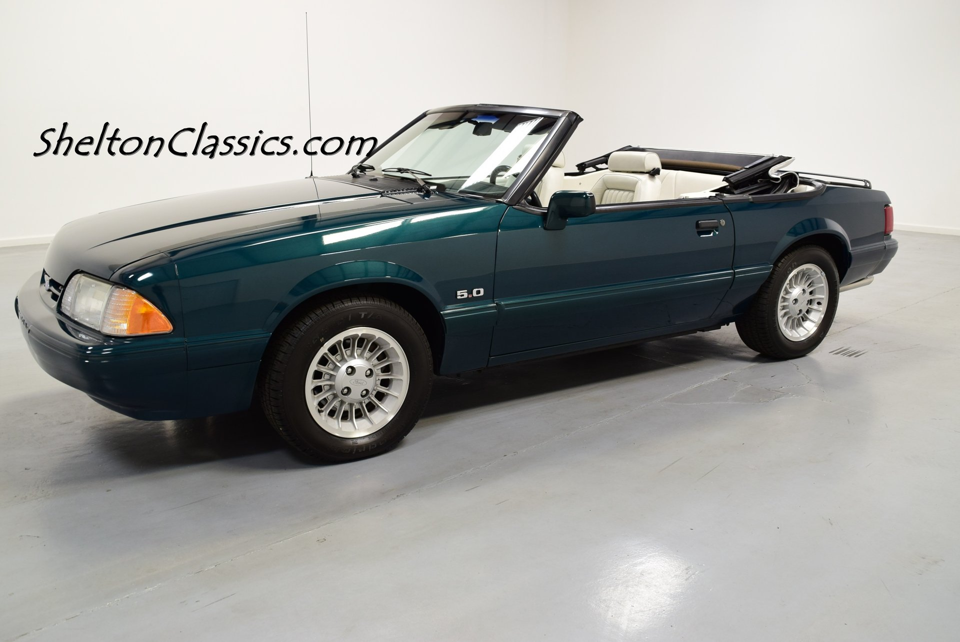 1990 ford mustang limited edition 7 up convertible