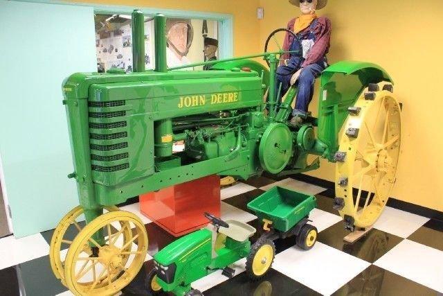 1934 JOHN DEERE Model B