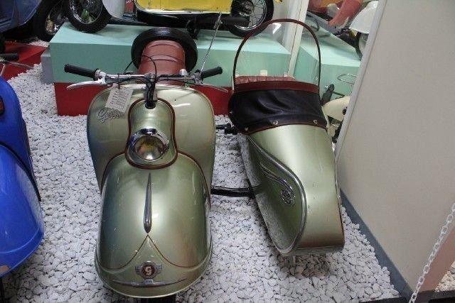 1954 GOGGO 200