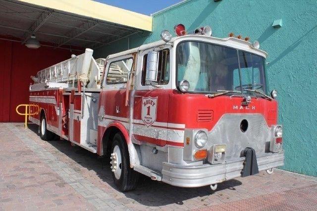 1977 MACK FIRE TRUCK