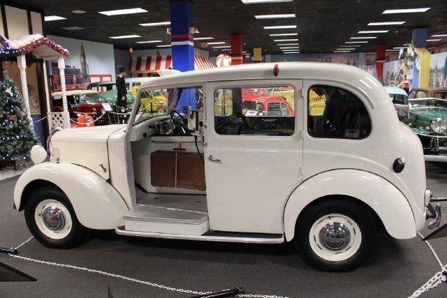 1949 Austin FX3