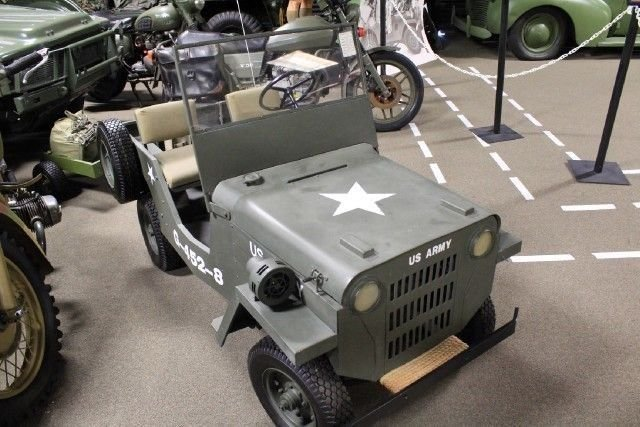 1960(s) MINI JEEP JEEP + CART