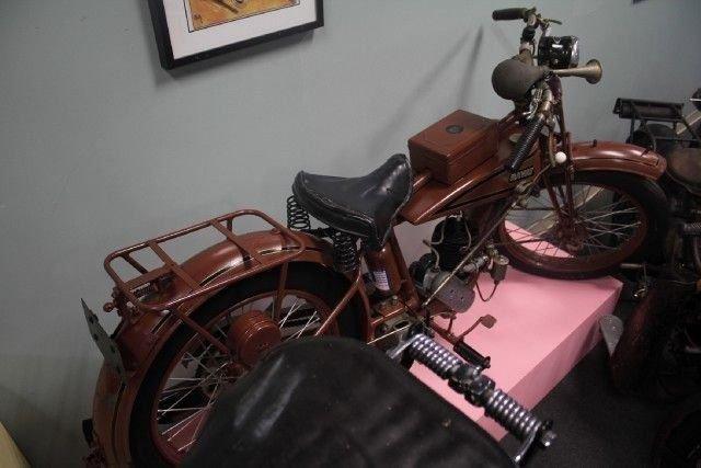 1926 RAVAT MOTORCYCLE
