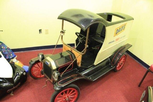 N a custom dad s rootbeer truck