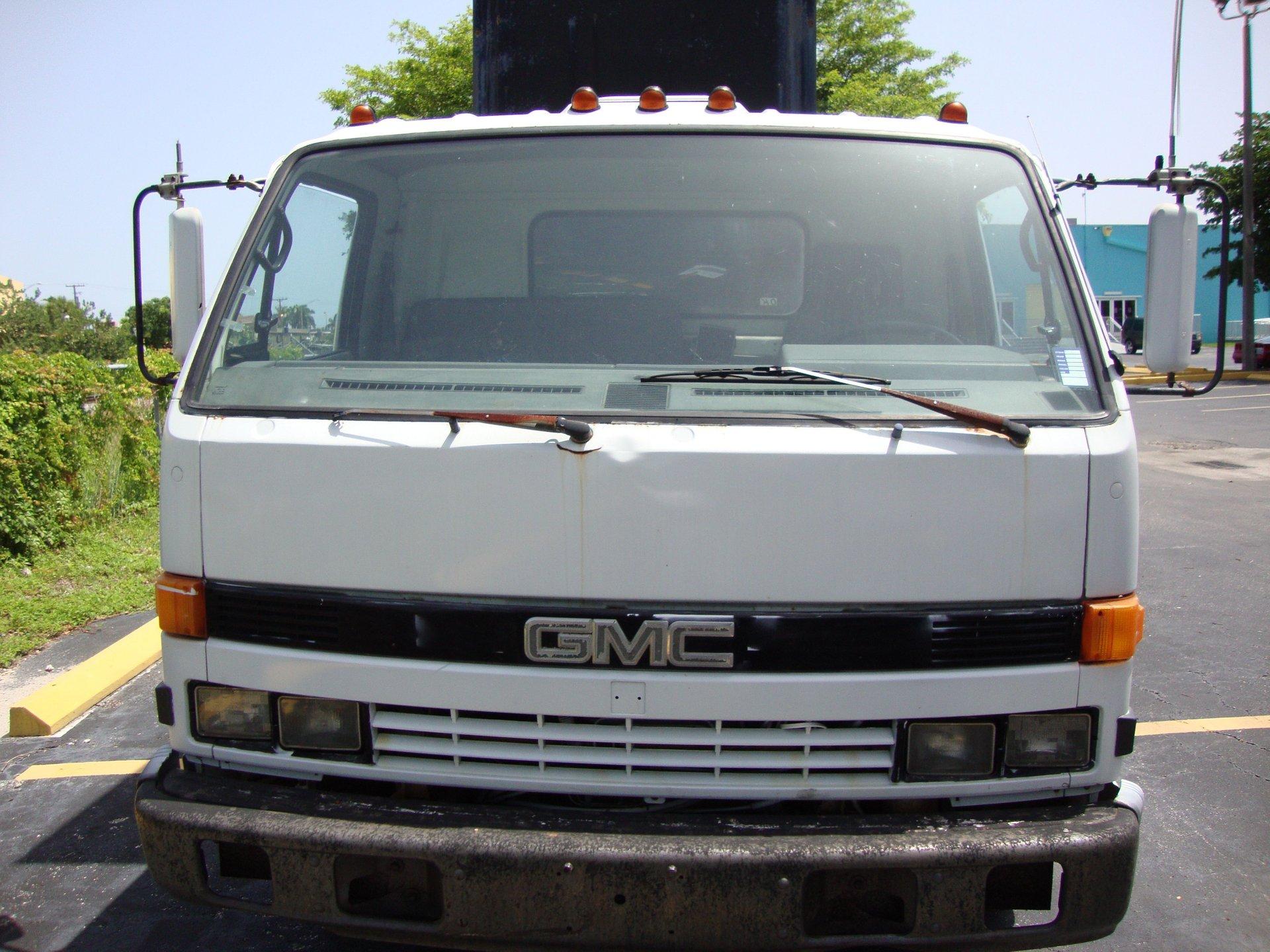 1991 isuzu billboard truck