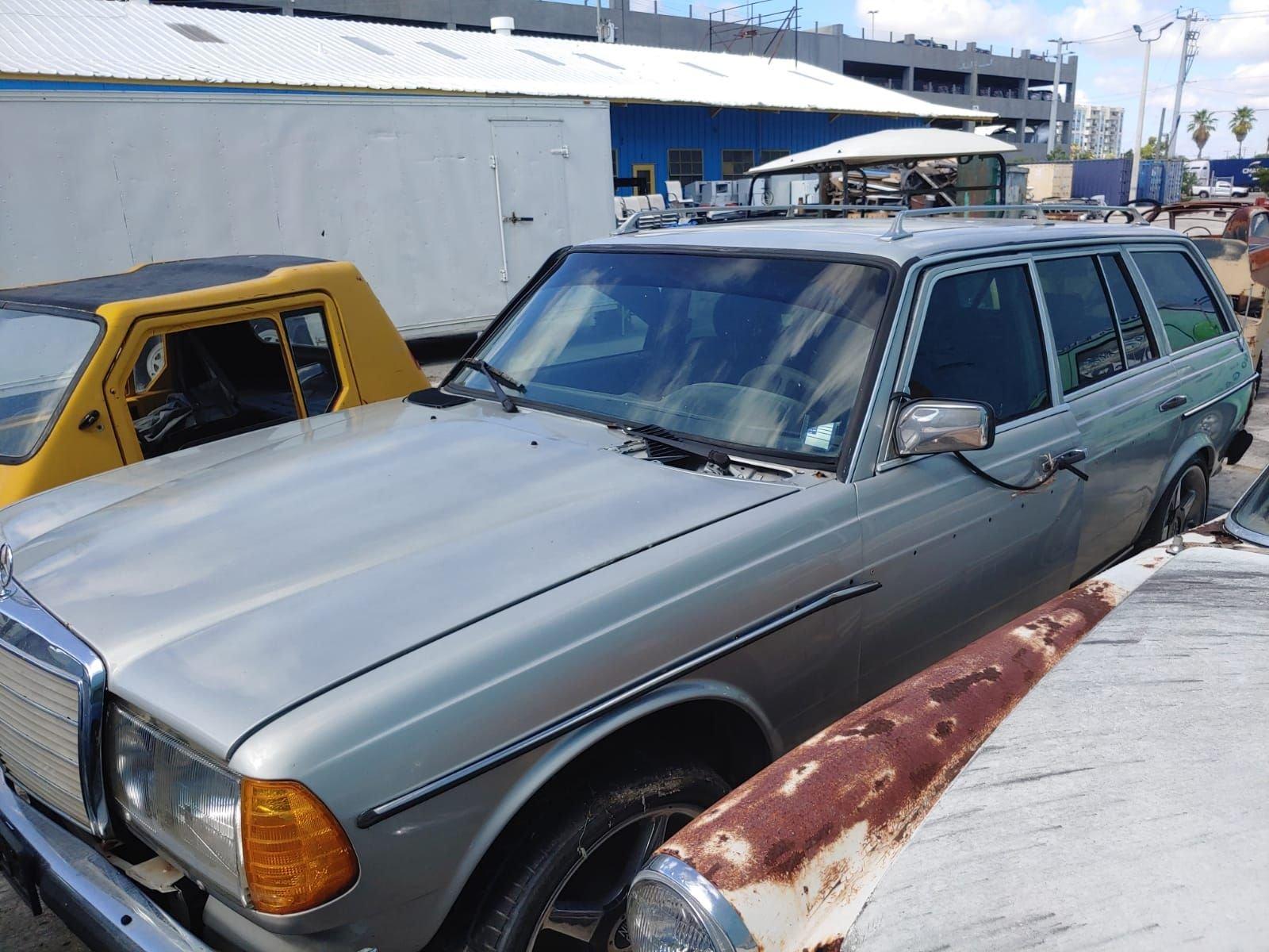 1983 mercedes wagon