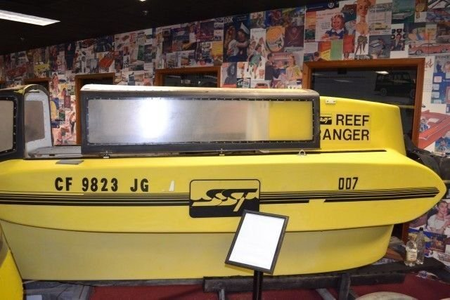 NONE LISTED REEF RANGER MINI SUBMARINE JAMES BOND
