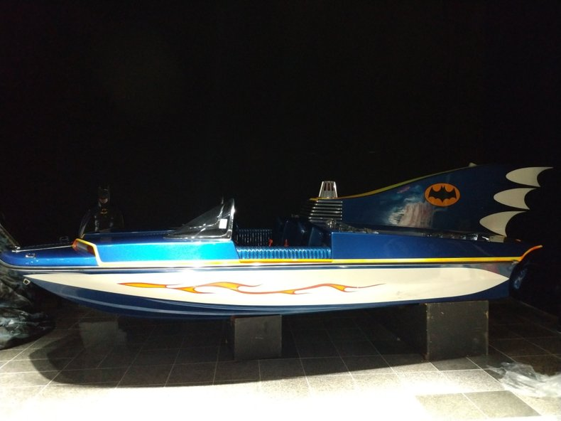 BATMAN BATBOAT