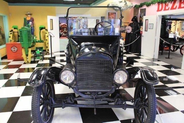 1921 Ford MODEL - T ROADSTER