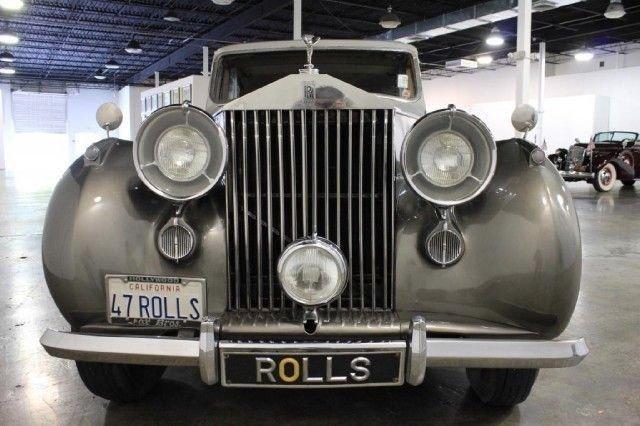 1947 ROLLS ROYCE SILVER WRAITH SEDAN
