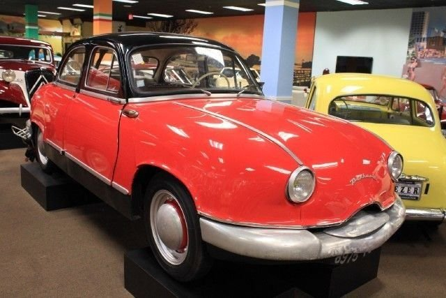 Panhard Sedan