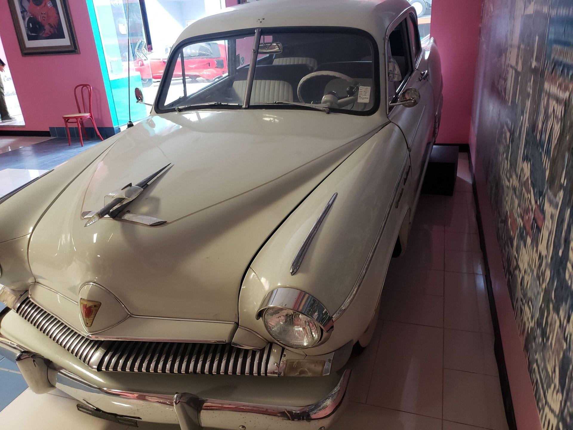 1952 henry j 2 door