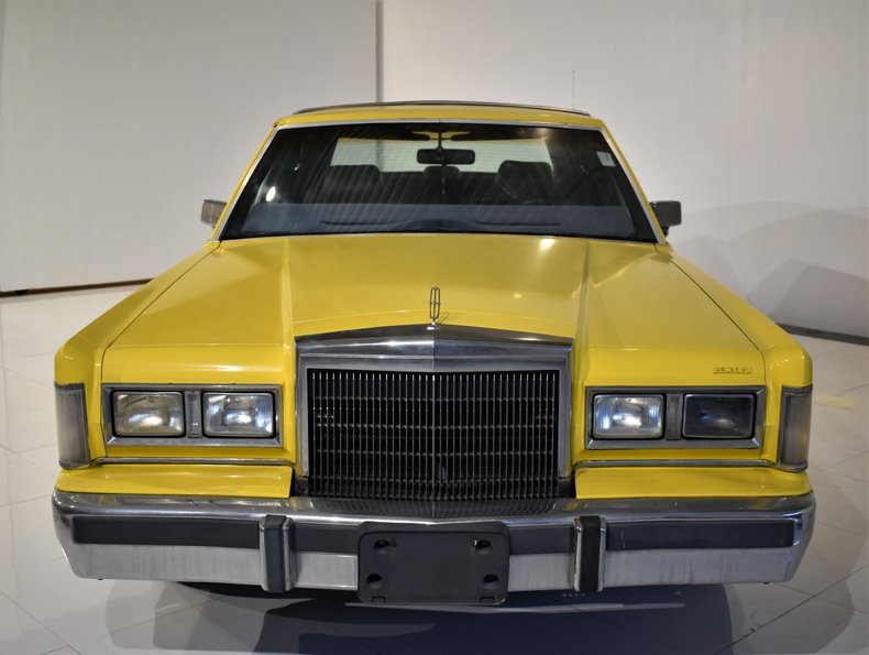1988 Lincoln 4D
