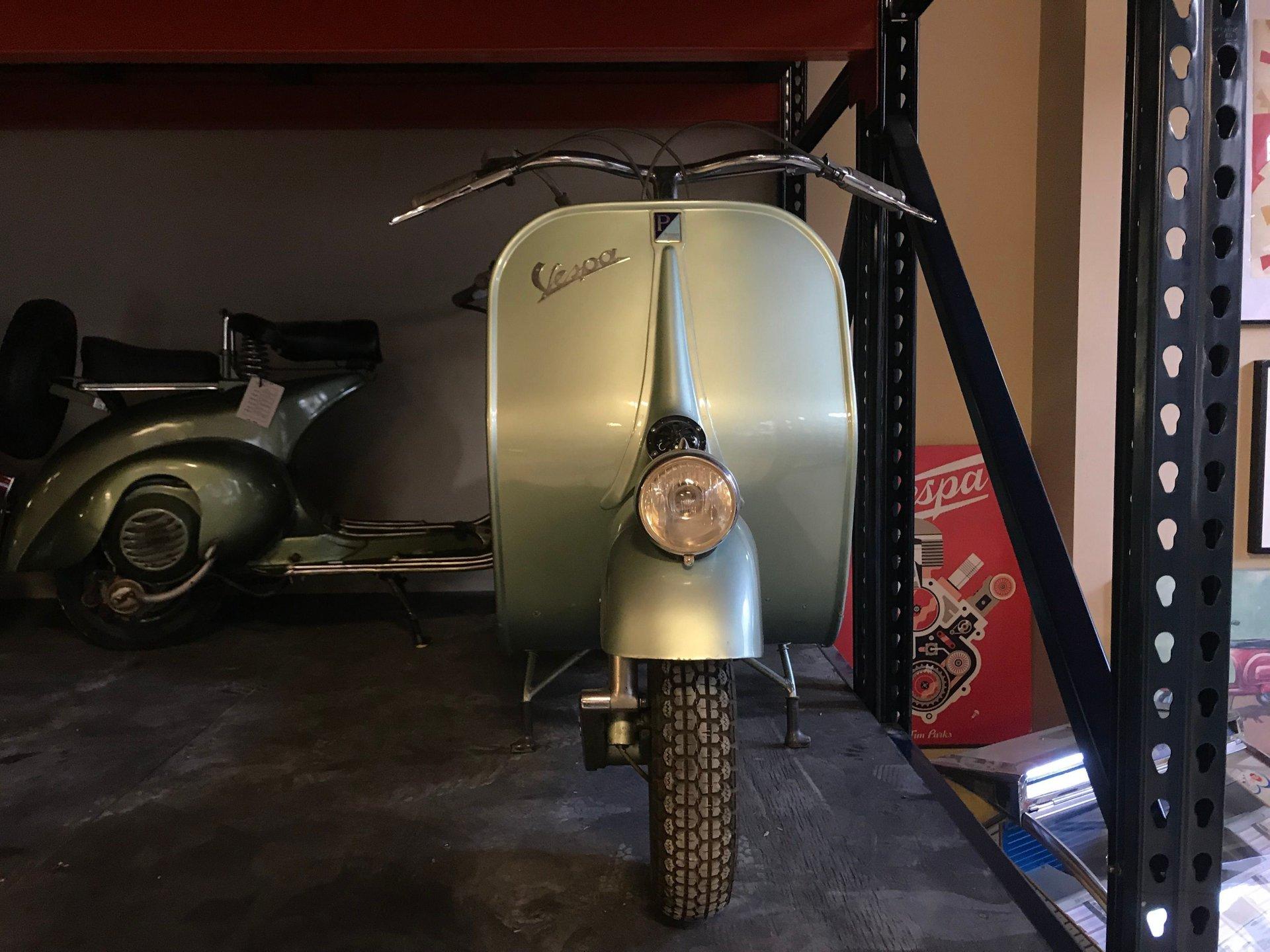 1950 vespa 125 v15