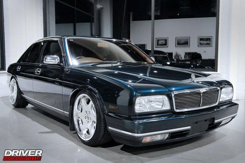 1993 Nissan V8 CIMA VIP