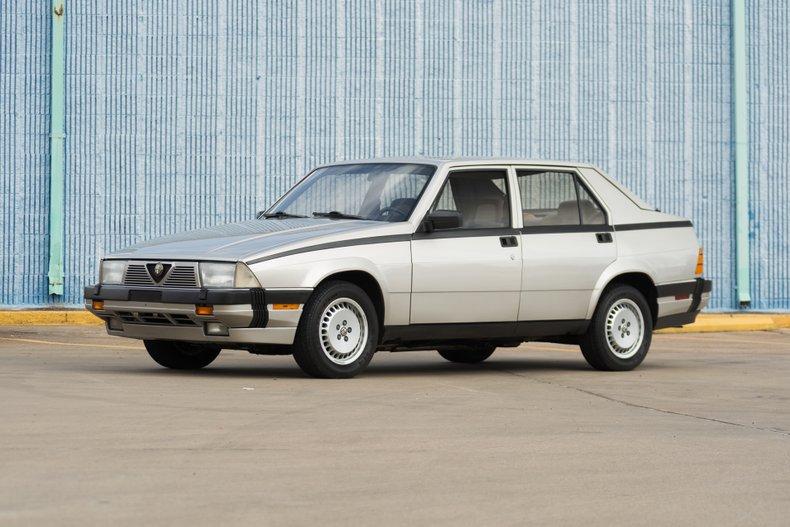 1988 Alfa Romeo Milano Gold