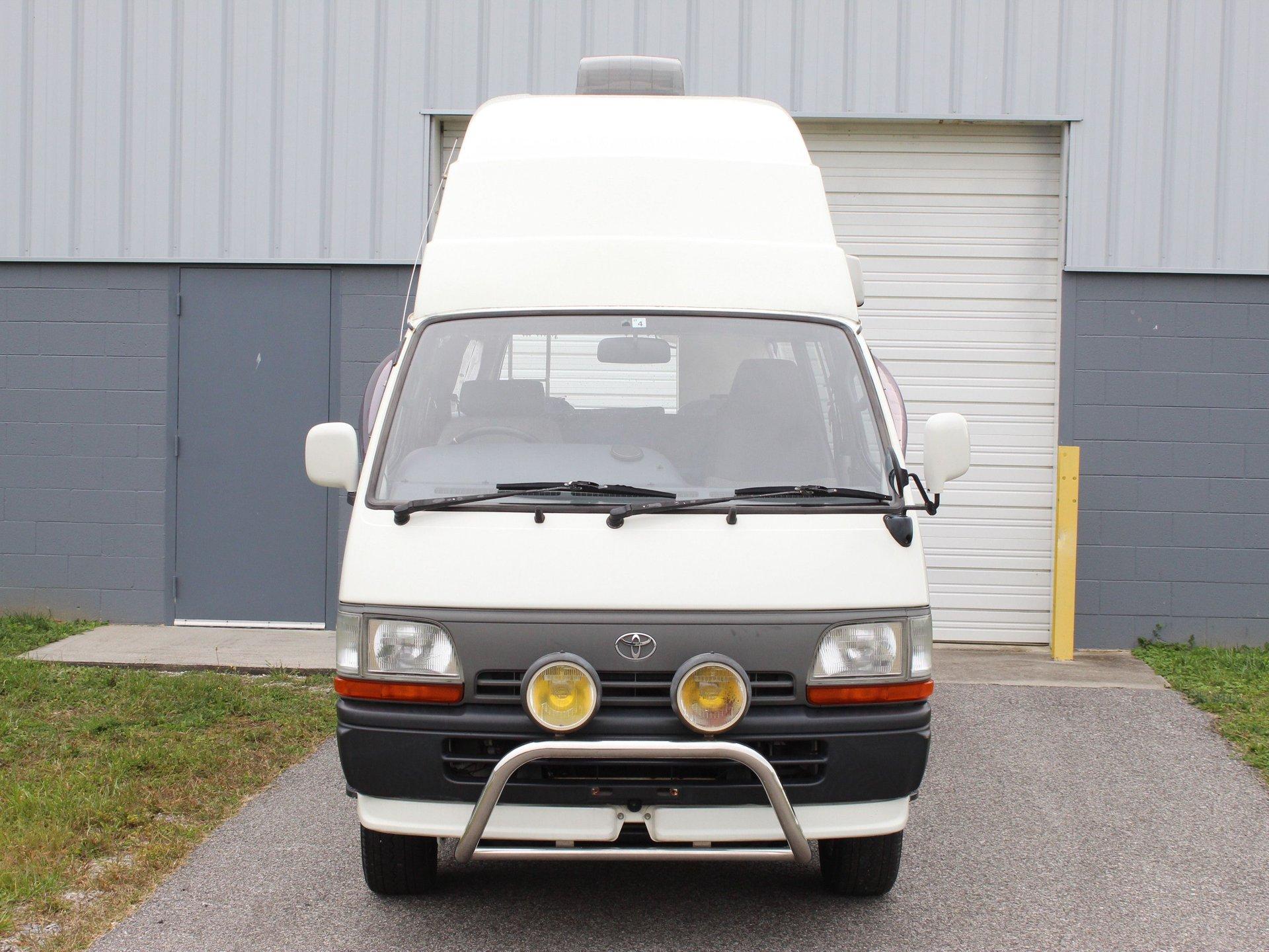 1995 Toyota HiAce