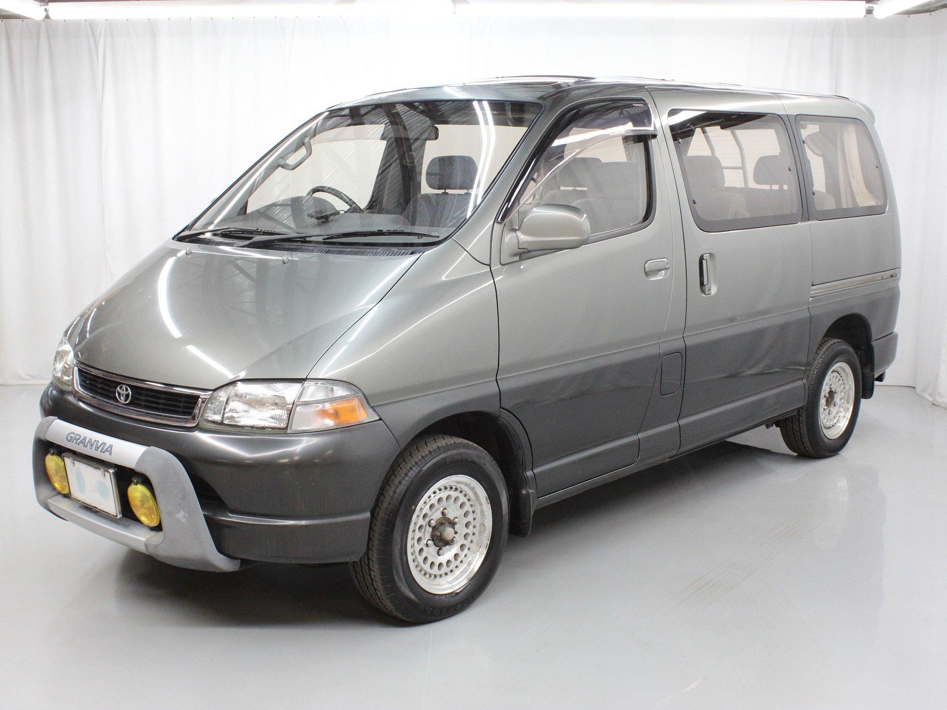1995 Toyota Granvia