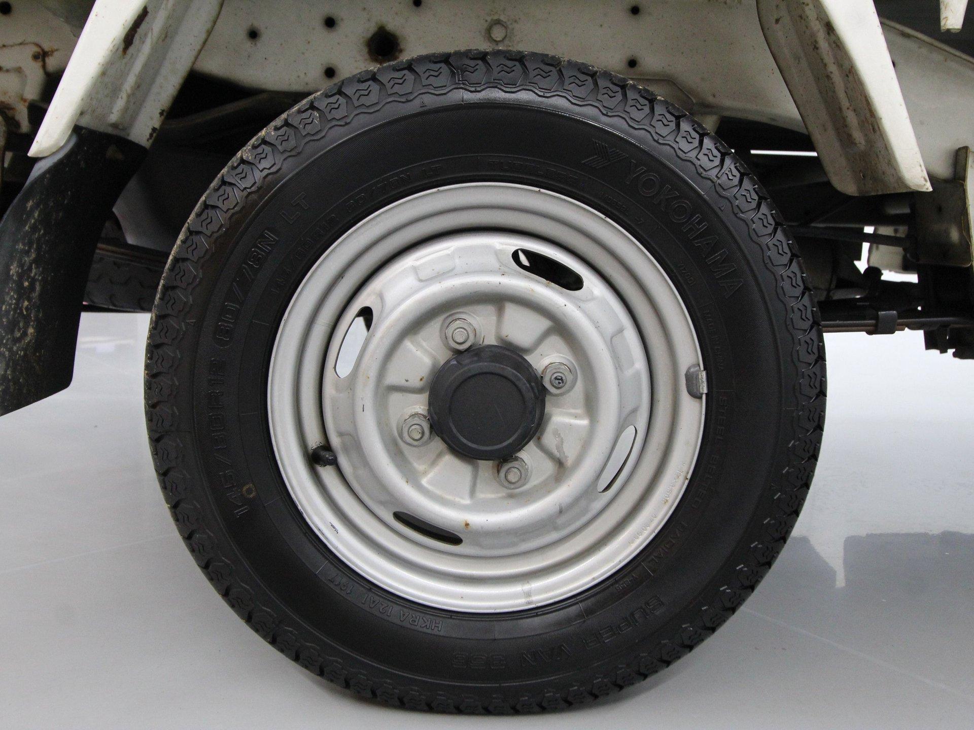 1993 Mitsubishi MiniCab