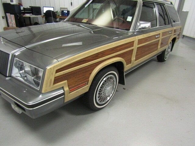 1982 Chrysler Town & Country