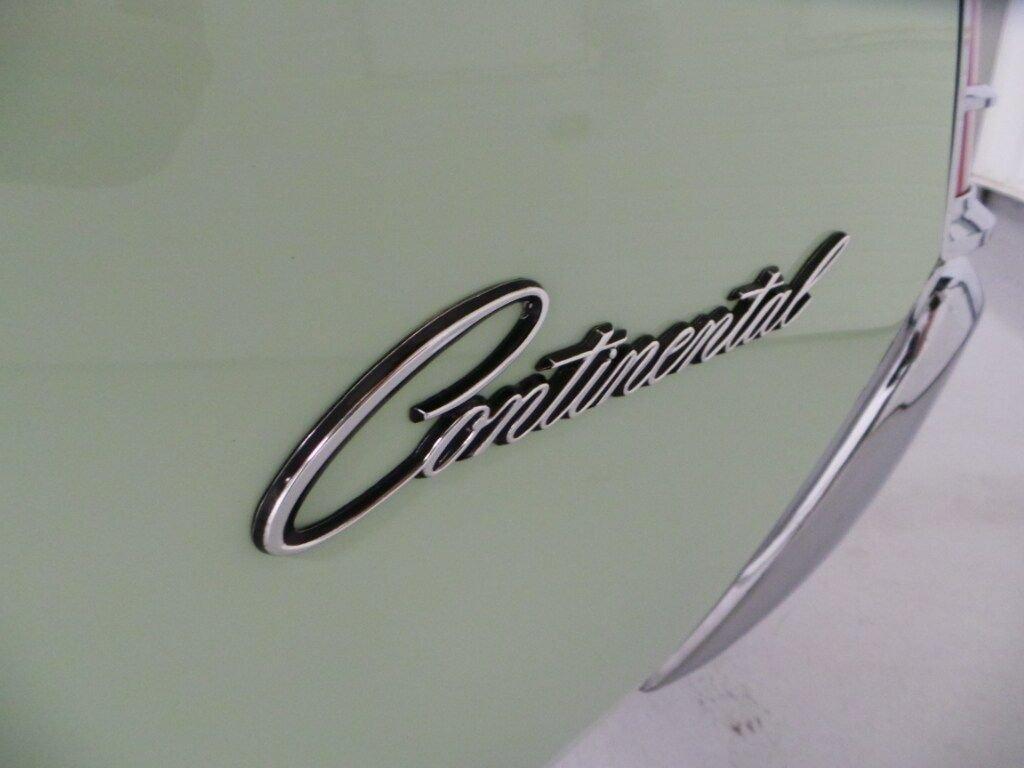 1971 Lincoln Continental