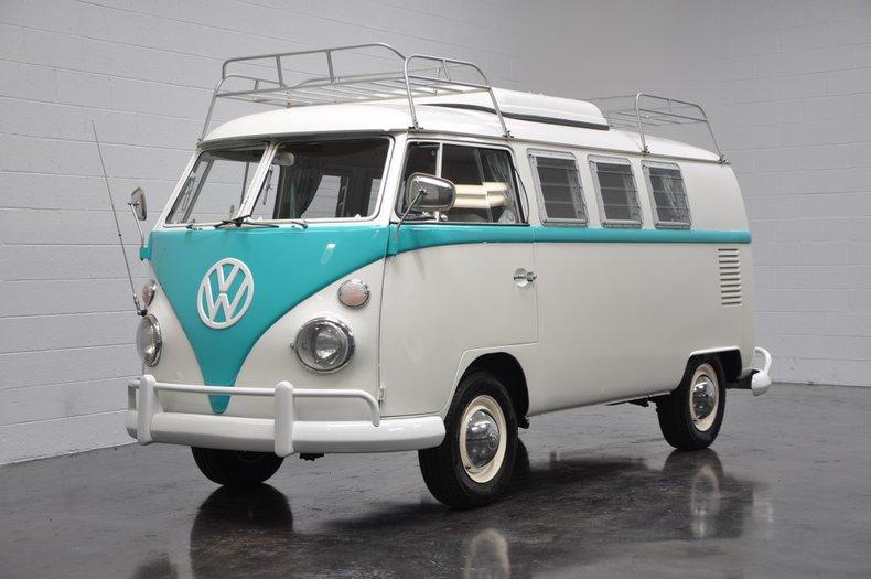 1967 Volkswagen Westfalia Pop-Top
