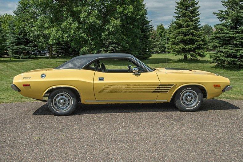 1974 Dodge Challenger 6