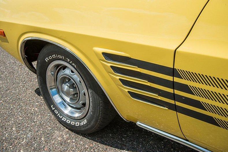 1974 Dodge Challenger 13