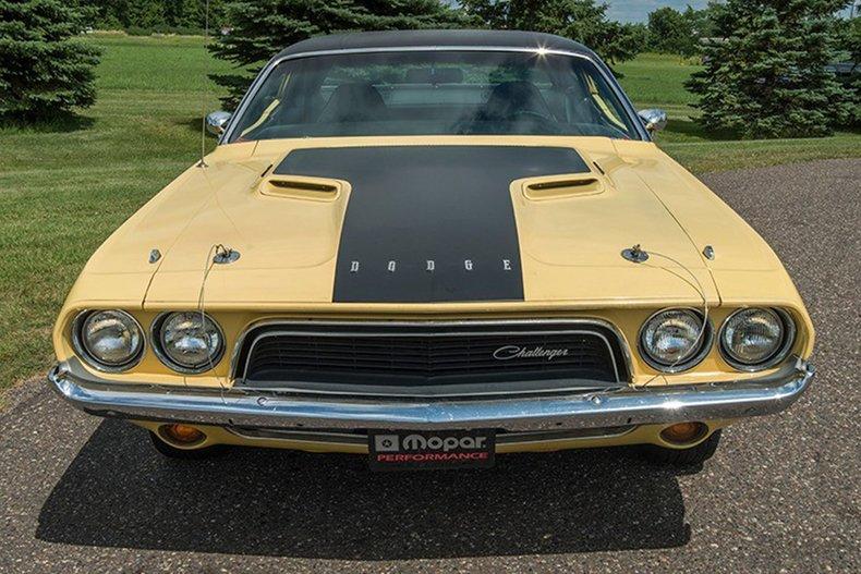 1974 Dodge Challenger 4