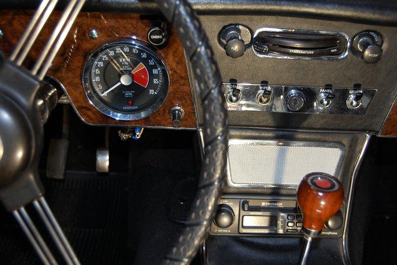 1967 Austin-Healey 3000 MKIII BJ-8 28