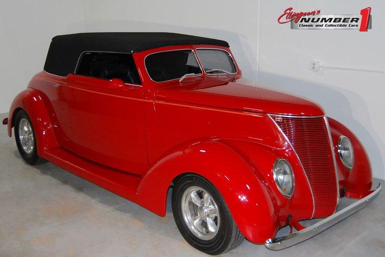 1937 Ford Cabriolet Replica