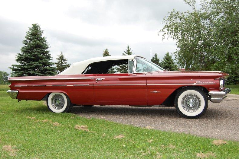 1960 Pontiac Bonneville Convertible 11