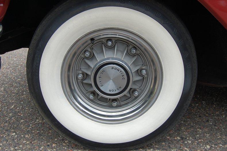 1960 Pontiac Bonneville Convertible 24