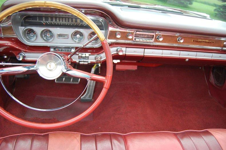 1960 Pontiac Bonneville Convertible 30
