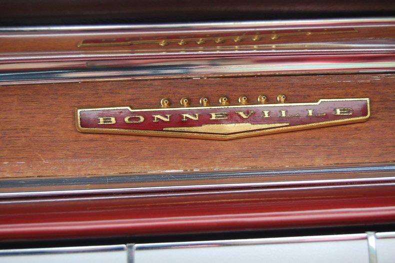 1960 Pontiac Bonneville Convertible 34