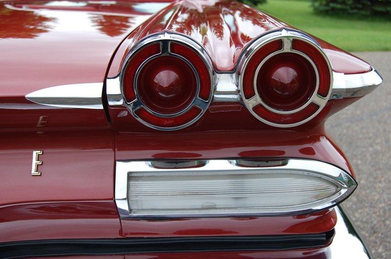 1960 Pontiac Bonneville Convertible 22