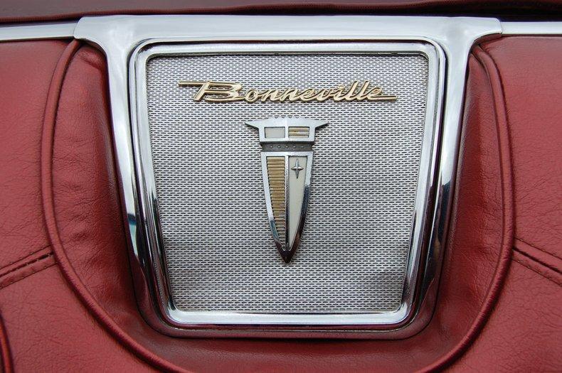 1960 Pontiac Bonneville Convertible 35