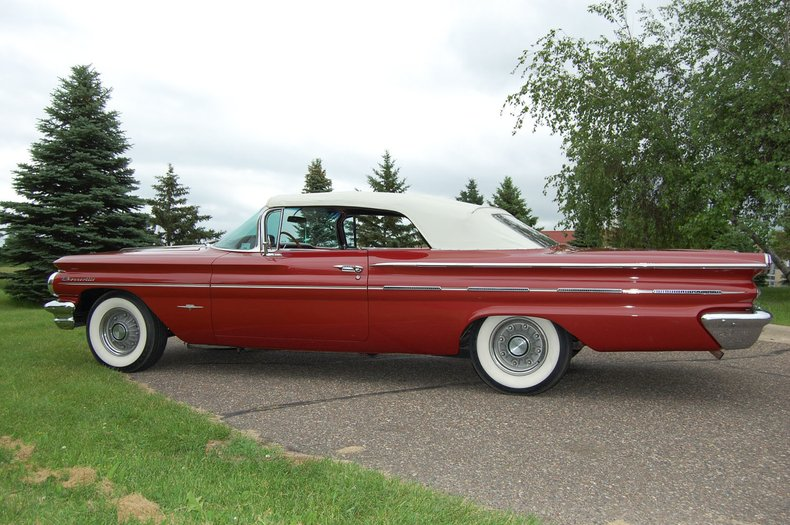 1960 Pontiac Bonneville Convertible 12