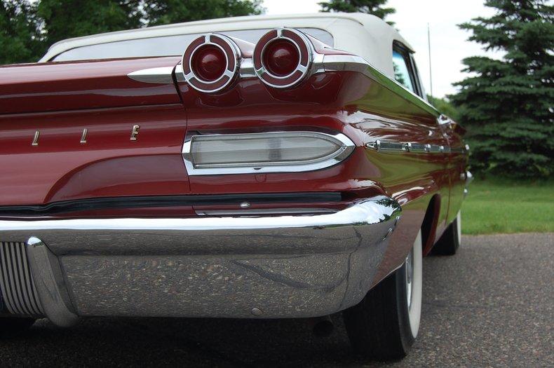 1960 Pontiac Bonneville Convertible 21