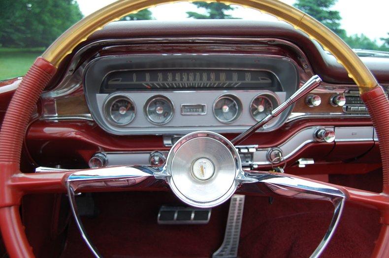 1960 Pontiac Bonneville Convertible 29