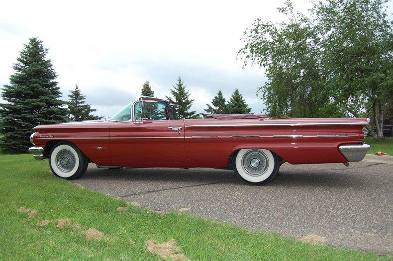1960 Pontiac Bonneville Convertible 10