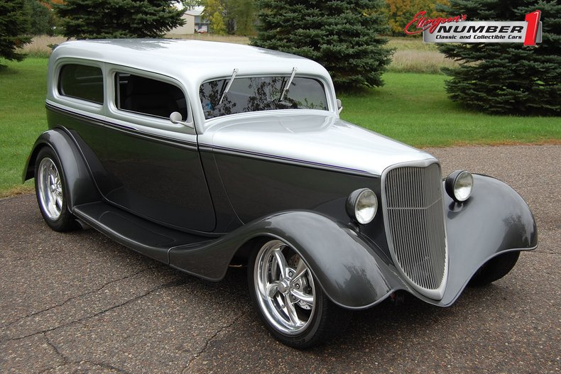 1933 Ford 2 Door Street Rod