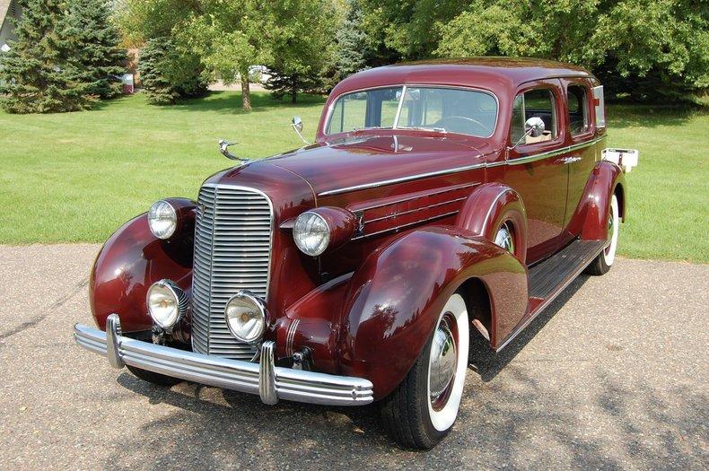 1936 Cadillac Series 85 4dr Sedan