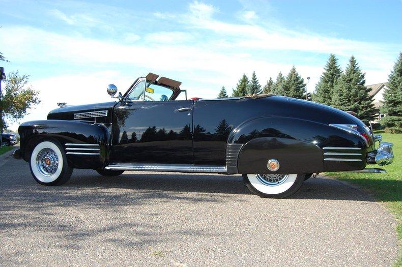 1941 Cadillac Series 62 Convertible 18