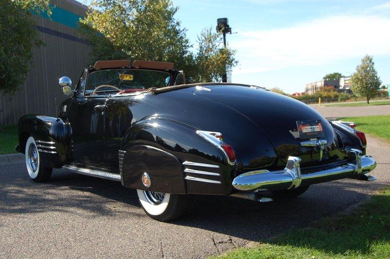1941 Cadillac Series 62 Convertible 9
