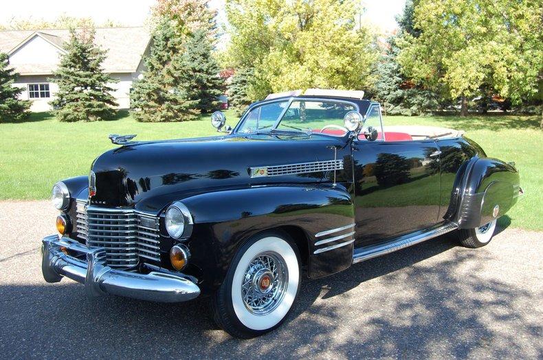 1941 Cadillac Series 62 Convertible 8